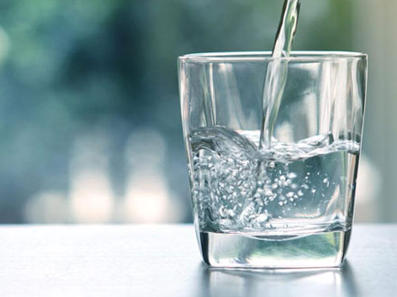تاثیر نوشیدن آب روی پوست