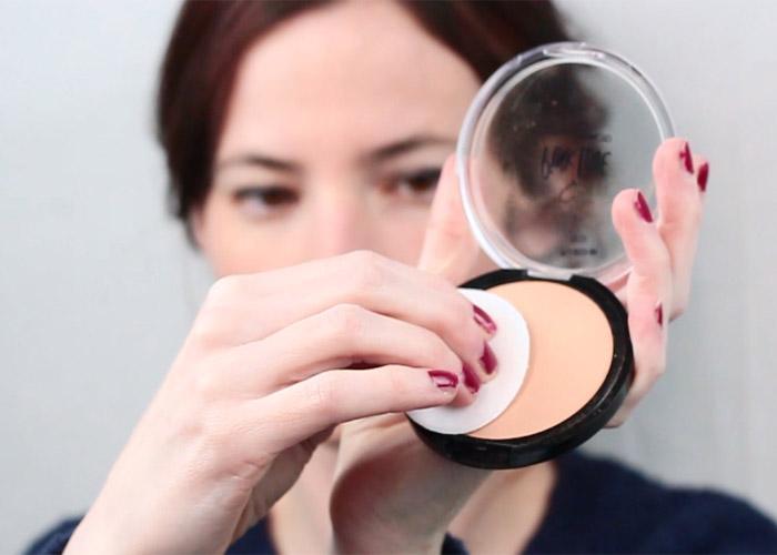 اشتباهات آرایشی و استفاده نادرست از پنکک